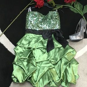 Speechless green/black formal dress size 3